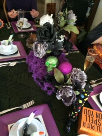 Halloween Tea Table - Skull